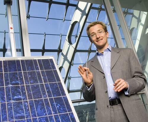 Energie-Scouts helfen Betrieben beim Strom-Sparen